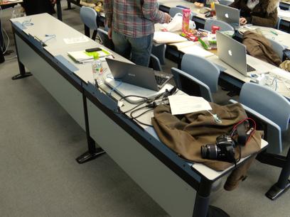 作業風景(私の班のものではありません)